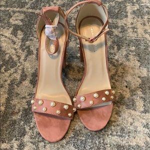 Pink heels with pearl details